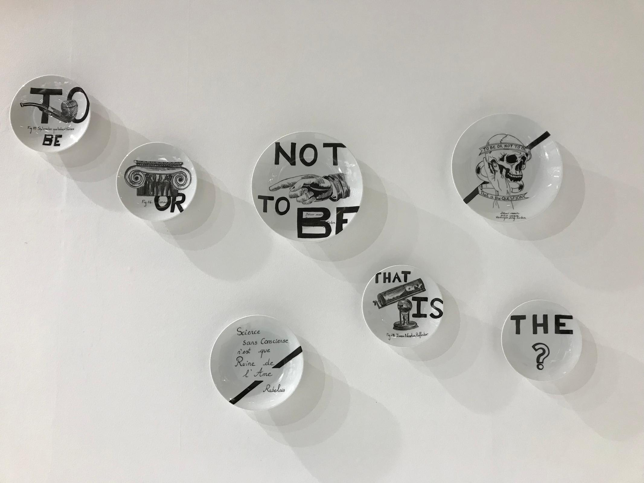 Installation murale heptagone TO BE OR NOT TO BE Véronique Joly-Corbin